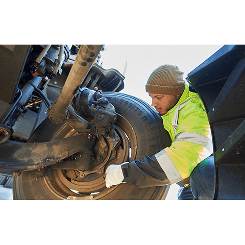 Safe and Smart CDL Class A Driver Training for Inexperienced Drivers: Identifying Brake Defects